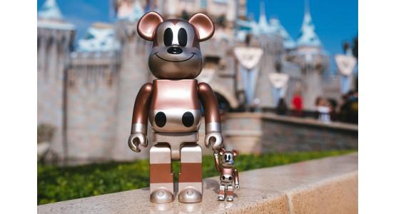UNDEFEATED & Disney Релиз Bearbrick Микки Маус 90-летие